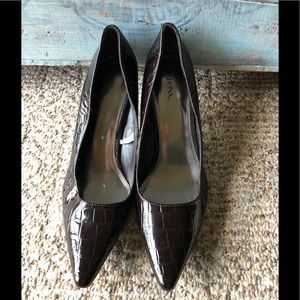 Beautiful heels by Merona in size 10.